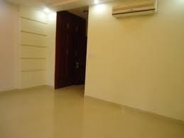 Quận 10, cho thuê phòng,hiện còn 1 phòng nhỏ,có máy lạnh,tiện nghi,toilet riêng,internet,khu an ninh