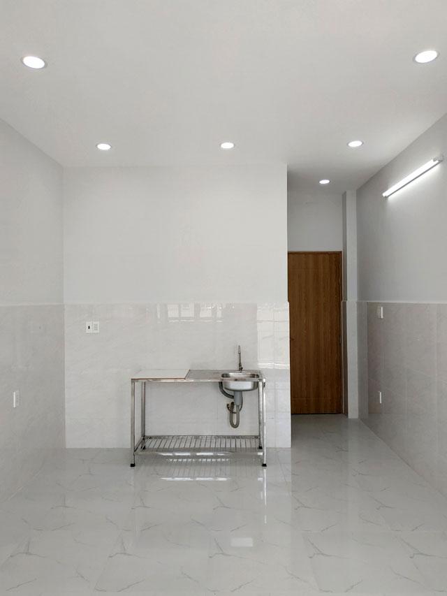 Cho nữ thuê Phòng trọ quận Bình Thạnh, 25m2 mới đẹp, ban công, cửa sổ, hẻm 7m. Giá rẻ nhất khu này.