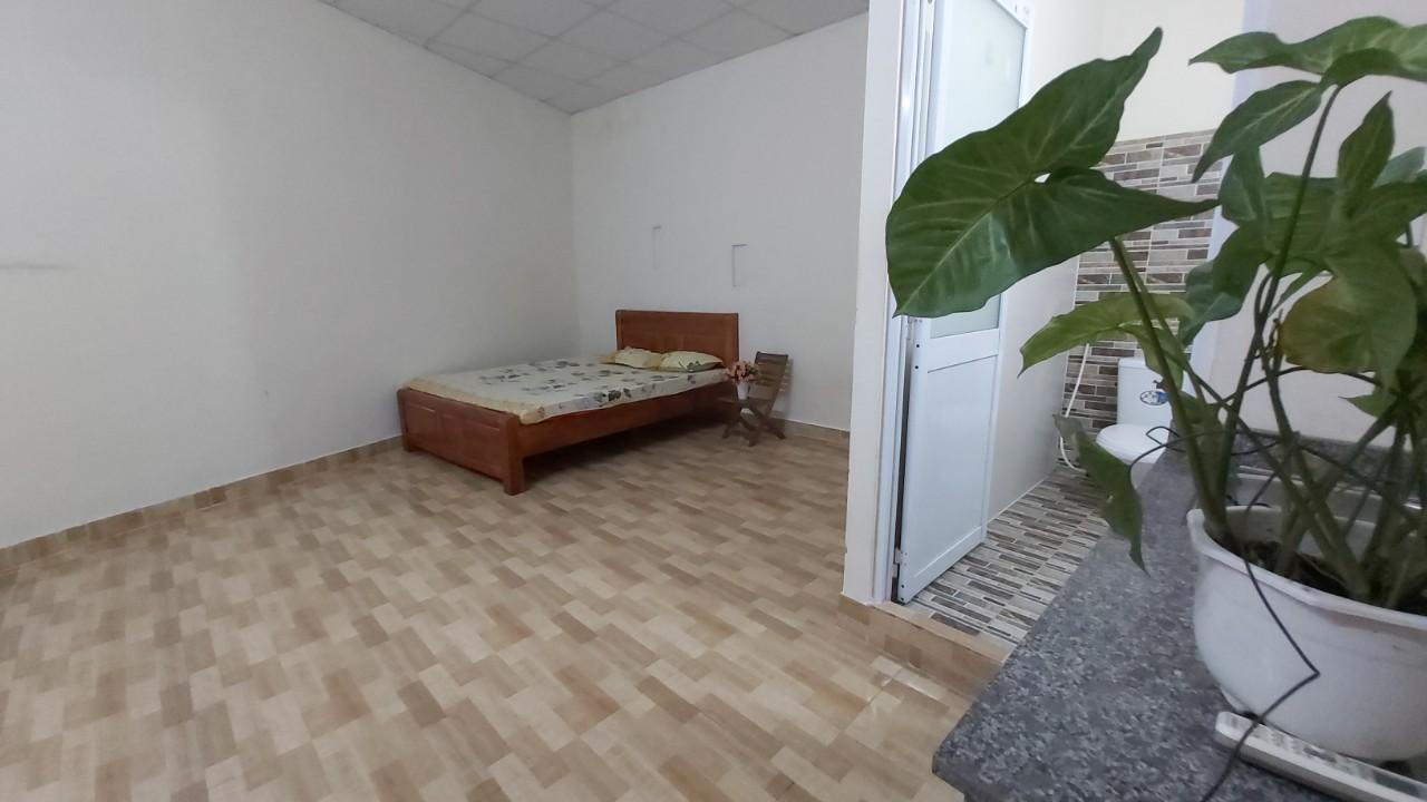 Cho thuê căn hộ 35m2 ( 4- 5 người ở ) ở Ngã Tư Phú Nhuận