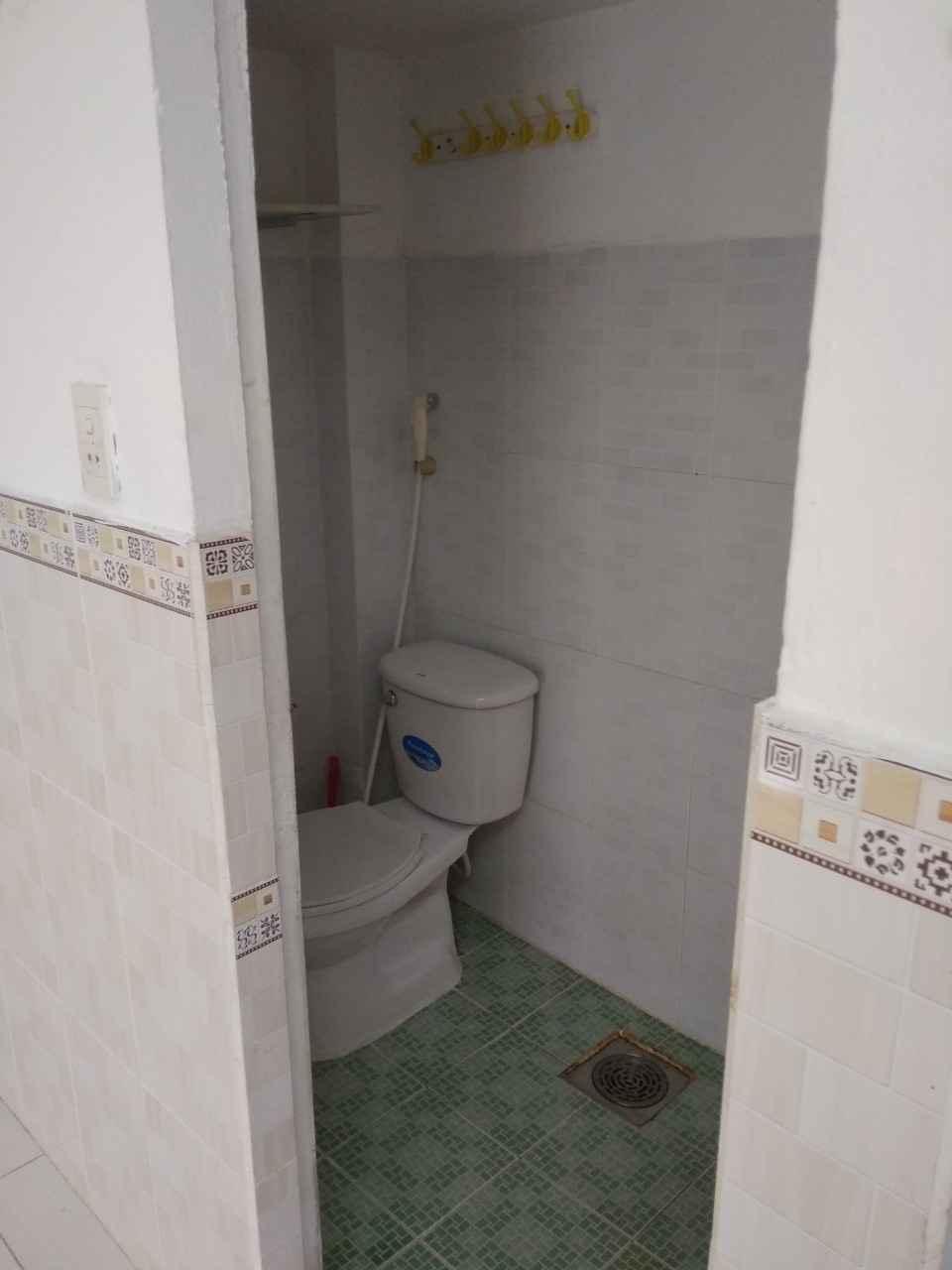 Phòng trọ Phan V Hớn, Q12, dành cho nữ, 3x4,5m - 1tr5