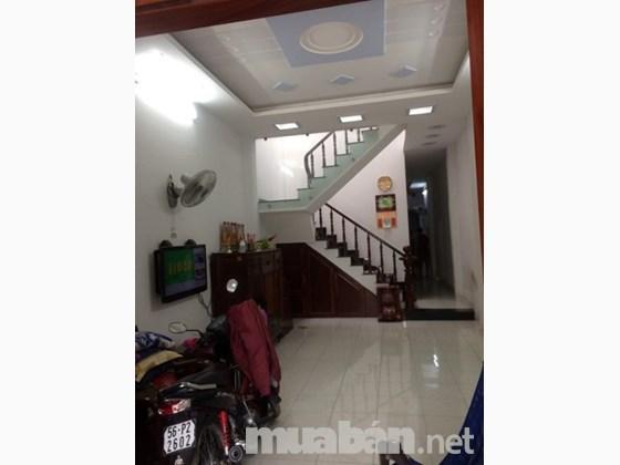Cần tiền bán gấp nhà nguyên căn Quận Bình Tân